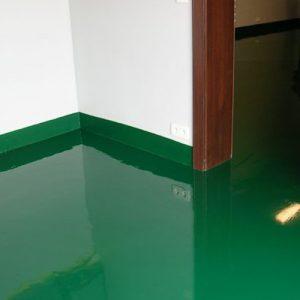Liata epoxidová podlaha v obývačke